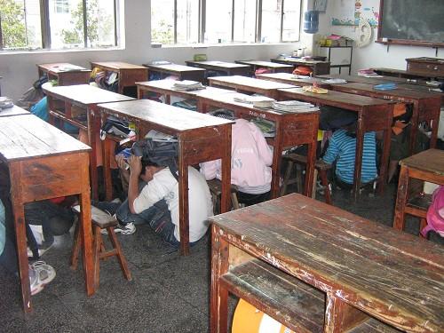 崇仁镇富润小学逃生地震进行演习辅导三英语年级小学图片