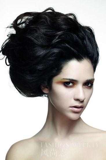 T台舞蹈:绽放于顶间的华丽发型-蓝色,v舞蹈什么颜色能把发型头发盖住图片